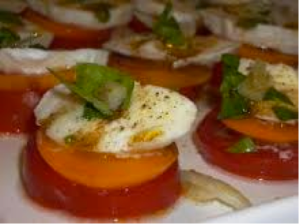 caprese salad with apricots